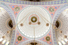 куполы внутри взгляда мечети Стоковые Изображения