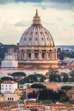 Купол базилики ` s St Peter стоковые изображения