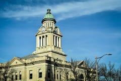 Купол башни с часами здания суда - Decorah, Айова Стоковые Изображения