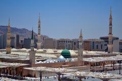 Купол зеленого цвета мечети пророка Стоковые Изображения