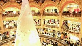 Купол и магазины Лафайета галерей в Париже видеоматериал