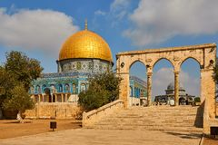 Купол утеса, арабское akhrah al Qubbat, святыня в Иерусалиме стоковое фото rf