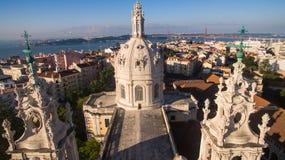 Купол базилики Estrela на предпосылке Лиссабоне на виде с воздуха утра Стоковое Изображение RF