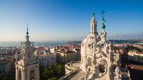 Купол базилики Estrela на предпосылке Лиссабоне на виде с воздуха утра Стоковое Изображение