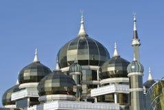 Купол кристаллической мечети в Teregganu, Малайзии стоковое изображение