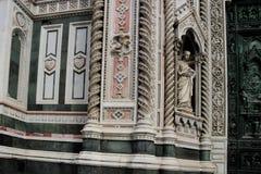 Купол собора в Флоренсе, Италии, в весеннем дне Стоковая Фотография RF