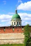 Купол собора за стеной цитадели стоковые фотографии rf