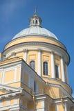 Купол собора троицы крупного плана Александра Nevsky Lavra на предпосылке голубого неба святой petersburg Стоковые Фото