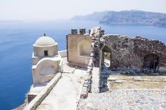 Купол церков в Santorini стоковая фотография rf