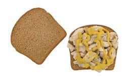 Куриная грудка на сандвиче хлеба пшеницы Стоковая Фотография