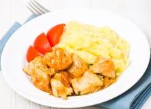 Куриная грудка с картофельным пюре Стоковая Фотография RF