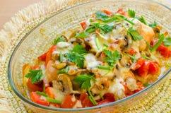 Куриные грудки испеченные с томатами и грибами Стоковые Фото