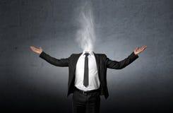 Курите вместо головы бизнесмена которая подняла его ладонь рук вверх Стоковые Изображения
