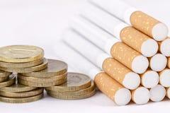 Курить непроизводительная трата денег Стоковые Фото