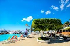 Курортный отель с бассейном в Nabeul Тунис, Северная Африка Стоковая Фотография RF