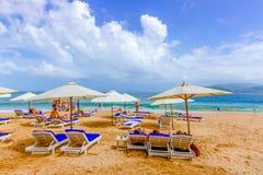 Курортный сезон в пляже стоковые фотографии rf