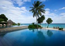 курорты бассеина пляжа плавая Стоковое Изображение RF