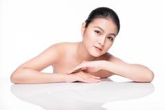 Курорт Красивый азиатский портрет женщины с совершенной кожей Стоковое Изображение RF