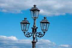 курорт ночи светильника здоровья belokurikha altay снял улицу Сибиря Стоковое Изображение RF