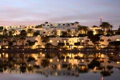 курорт освещения вечера тропический Стоковые Изображения