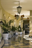 курорт патио гостиницы пляжа тропический Стоковые Изображения