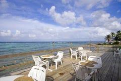 курорт патио острова Кеймана Стоковая Фотография RF