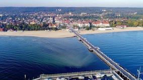 Курорт Sopot, Польша Деревянная пристань с Мариной Воздушное видео акции видеоматериалы