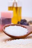 Курорт Welnness возражает крупный план мыла и соли для принятия ванны Стоковое Фото
