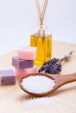 Курорт Welnness возражает крупный план мыла и соли для принятия ванны Стоковая Фотография