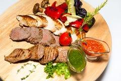 Курсы закусок, салатов, первого и второго, суп стоковые изображения rf