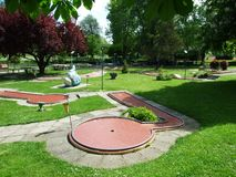 Курс мини-гольфа около парка в Kreuzlingen стоковая фотография