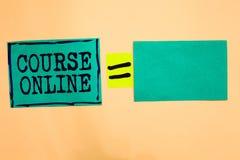 Курс текста почерка онлайн Бумага бирюзы класса цифров исследования электронного образования eLearning смысла концепции дистантна стоковое фото rf