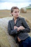 куртка девушки поля Стоковое фото RF