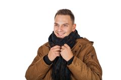 Куртка parka зимы молодого человека нося стоковое изображение