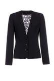 Куртка ` s женщин классическая черная изолированная на белой предпосылке стоковые изображения