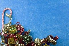 курчавая тесемка красного цвета золота Стоковые Фотографии RF