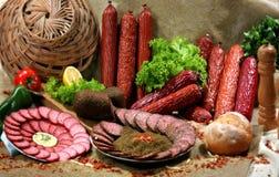 курят мясные продукты, котор ii Стоковые Фото
