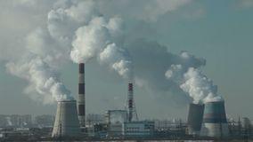 Куря загрязнение воздуха печных труб видеоматериал