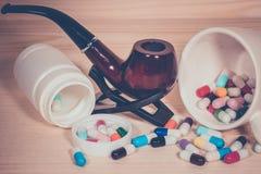 Куря усложнения причины сигарет Стоковое Изображение