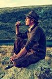 Куря человек Стоковые Фотографии RF