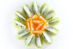 Куски кивиа и апельсинов Стоковые Изображения RF