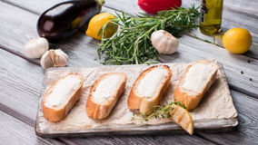 Куски хлеба с маслом Стоковая Фотография