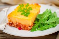 Кусок картошки, тыква и семенить томатом мясо пекут стоковые изображения rf