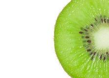 Кусок макроса свежего изолированного плодоовощ кивиа Стоковое Изображение