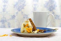 Кусок моркови и ноготк испекут готовое для еды Стоковое фото RF