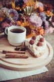 Кусок домодельных пирога и кофе Стоковые Изображения