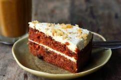 Кусок пирога на таблице Стоковое Изображение RF