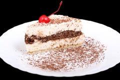 Кусок пирога с вишней на черноте Стоковое Изображение RF