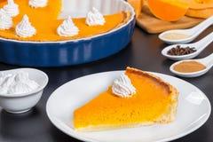 Кусок пирога тыквы - десерта для благодарения или рождества Стоковая Фотография