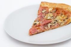 Кусок пиццы стоковое изображение rf